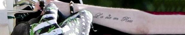 2014_tatuagem_escrito_frances