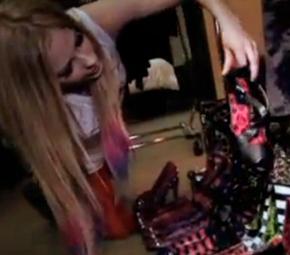 Avril fala sobre seus sapatos