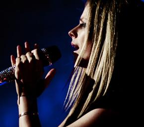 Avril não será jurada do X-Factor