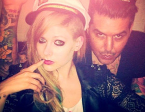Avril nos bastidores do photoshoot da coleção Abbey Dawn 2013