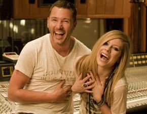 Avril fez um novo shoot com Mark Liddell