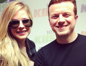 Vídeo legendado: entrevista de Avril para JoJo Wright!