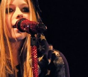 Avril se apresentará no Wango Tango!