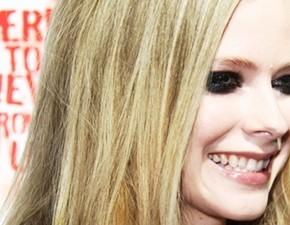 Novo vídeo legendado: entrevista de Avril para a Fuse TV