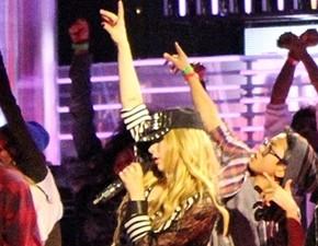 MMVA 2013: fotos e vídeos do ensaio e entrevista com Avril!