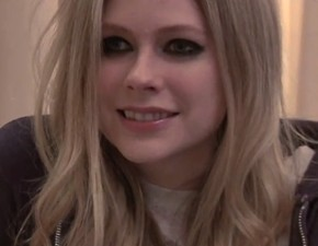 Novo vídeo legendado: entrevista de Avril para o jornal The Sun