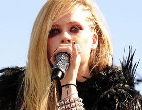 Avril Lavigne é a cantora mais pedida para o Rock In Rio 2015
