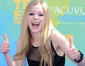 Avril Lavigne é a cantora mais citada no Facebook