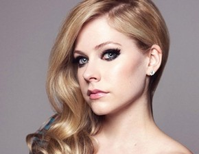 Avril Lavigne em entrevista ao site Rock Show Critique