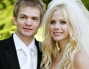 """""""Let Go"""" e casamento com Deryck em matéria do site Cifras"""