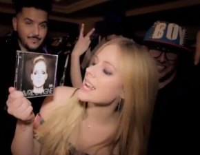 Terceiro episódio da AvrilTV é liberado