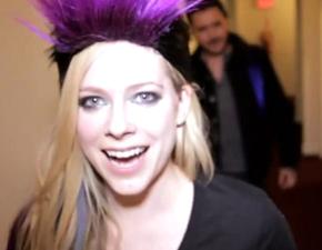 Vídeo legendado: liberado segundo episódio da AvrilTV!