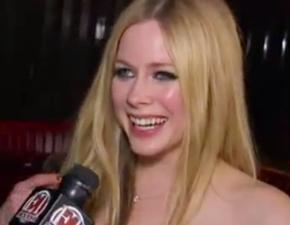 Vídeo legendado: Avril concede entrevista ao ET Canada