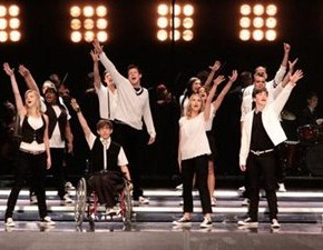 Keep Holding On estará no 100º episódio de Glee