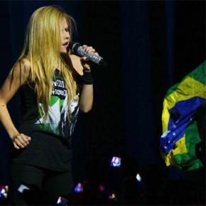 Avril Lavigne no Brasil: saiba tudo sobre os shows em BH e BSB!