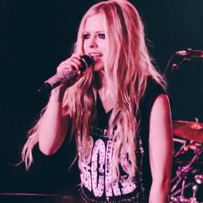 1 mês de #AvrilnoBrasil: fã compila DVD com performances dos shows!