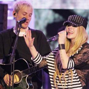 Avril perde os dois prêmios aos quais concorria no MMVA 2014