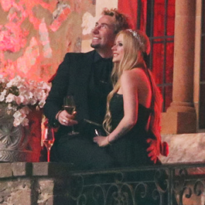 Bodas de papel: Avril e Chad completam 1 ano de casamento!