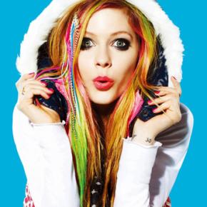 Avril Lavigne em outra lista de celebridades que não envelhecem