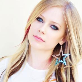 Projeto Team Rockstar da  The Avril Lavigne Foundation é sucesso