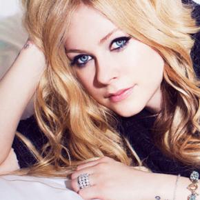 Avril anuncia lançamento de música nova e outra surpresa para fevereiro