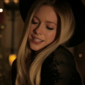 Give You What You Like: assista a teaser do novo clipe de Avril Lavigne!