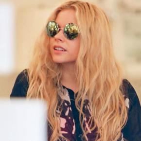 Avril é vista fazendo compras com Ryan Cabrera em West Hollywood (25.01)