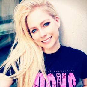Doe para a campanha de aniversário de Avril Lavigne e concorra a prêmios extras