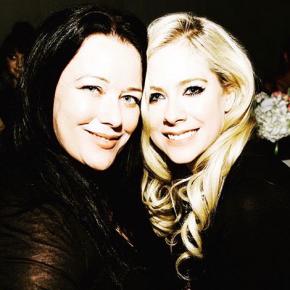 Lauren Christy fala sobre como trabalhar com Avril Lavigne mudou sua vida