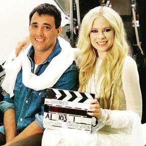 Avril Lavigne gravou seu novo videoclipe com o diretor Elliott Lester