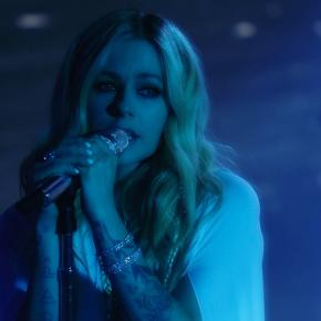 Avril Lavigne fala sobre nova turnê em entrevista