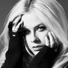 Em entrevista para a Vogue alemã, Avril Lavigne fala sobre a direção musical de seu novo álbum