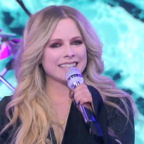 Assista à apresentação de Avril Lavigne no Good Morning America