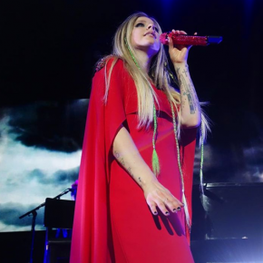 Avril Lavigne renasce nos palcos com a Head Above Water Tour