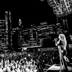 Avril Lavigne fala sobre sair do Canadá em busca de seu sonho
