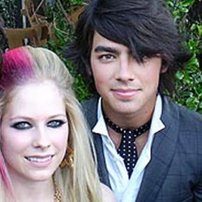 Joe Jonas revela que sentia medo de Avril Lavigne